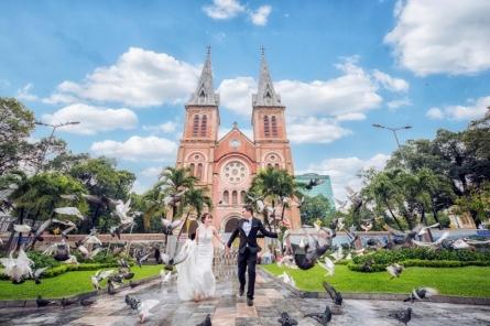Chụp ảnh cưới tại Sài Gòn