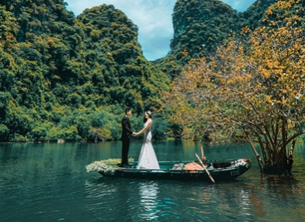 10 cách tạo dáng chụp ảnh cưới trong phòng giúp bạn có bộ ảnh cưới độc đáo nhất